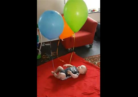 Beschäftigung für das Baby