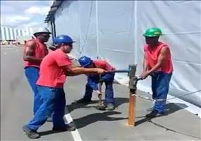 Four Guys, One Plug! - Hammertime!