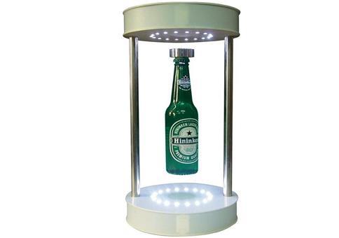 Ui, eine schwebende Bierflasche