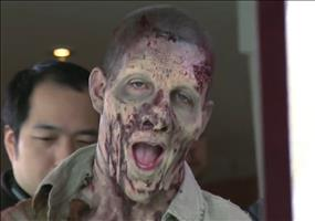 Zombie Prank - The Walking Dead