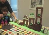 Spielbarer Angry Birds Kuchen