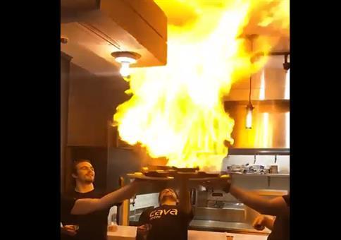 Einmal mit Profis: Flambierte Küche