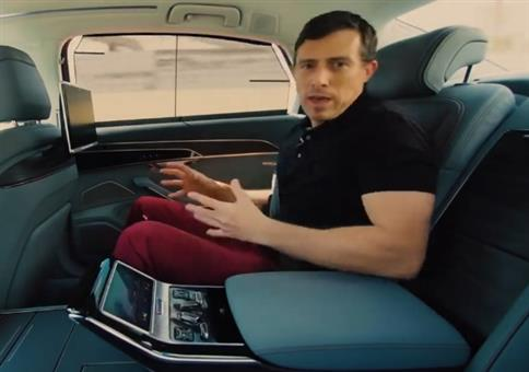 Mega Komfort im Auto für den hinteren Beifahrer