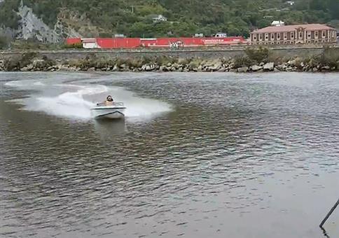 Boot trifft auf Vollpfosten