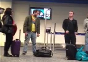 Besoffen am Flughafen