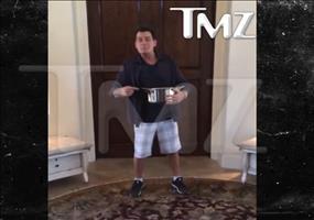 Charlie Sheens Beitrag zur Ice Bucket Challenge