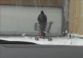 Genie oder Wahnsinn beim Schnee schippen