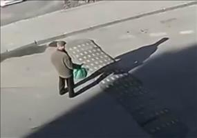 Russischer Bremsschwellen Inspektor