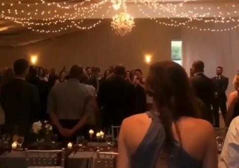 Er filmt das Hochzeitsvideo des Jahres