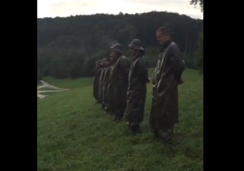 Pinguin Soldaten