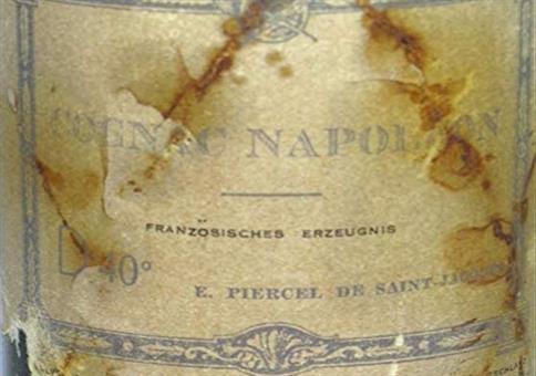 Champagner, über 200 Jahre alt.. für gerade mal 21.595 Euro