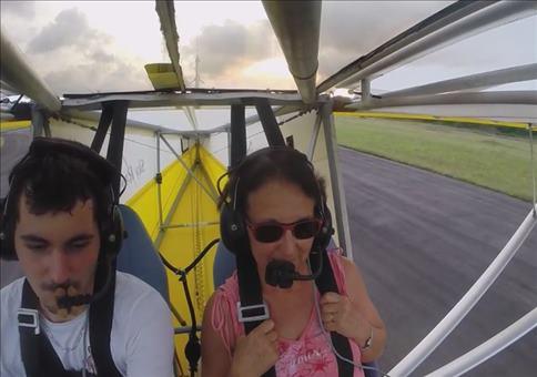 Blinder Passagier im Ultraleichtflugzeug