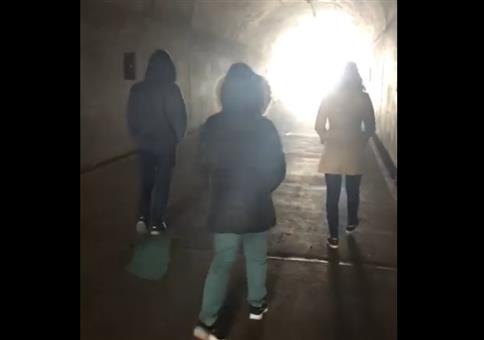 Amazing Grace im Tunnel singen