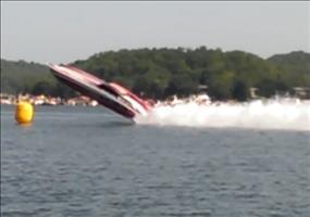 Speedboot hebt ab