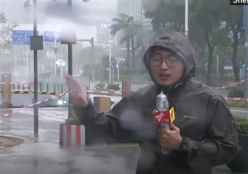 Neulich in China: Reporter feiert zweiten Geburtstag