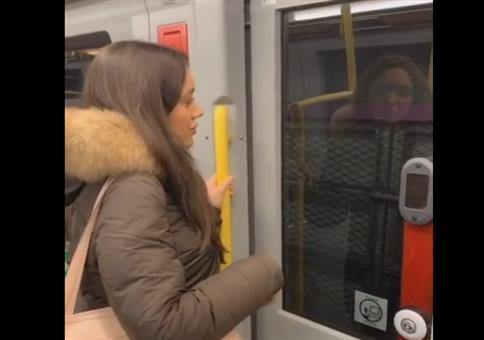 Klare Ansage in der Wiener U-Bahn