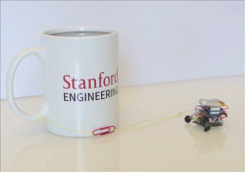 Kleiner kräftiger Roboter