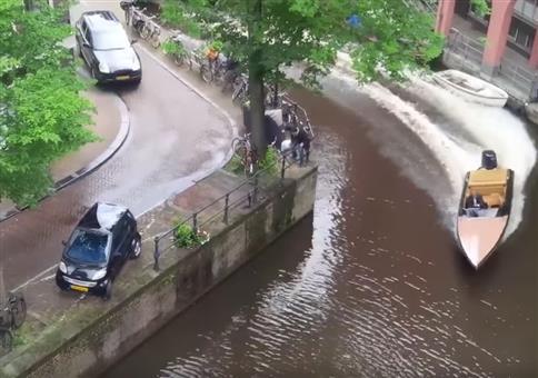 Mit dem gestohlenem Porsche Cayenne auf der Flucht