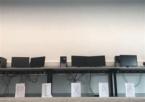 Pixar Intro mit Bürostuhl