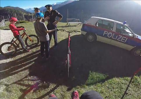 Mit dem Bike auf der Flucht vor der Polizei
