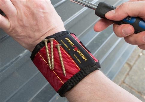 Auch Männer können Armbänder tragen