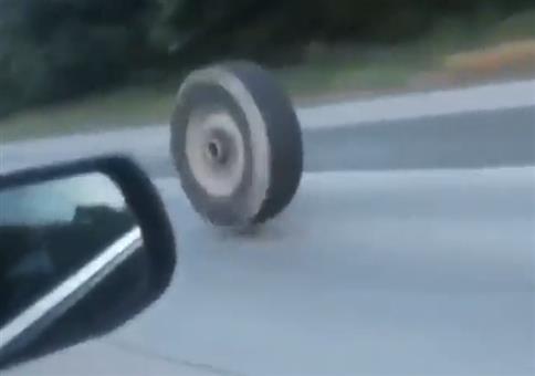Reifen auf Autobahn unterwegs