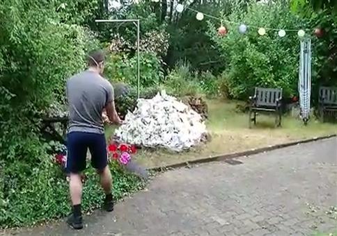 Den kompletten Garten in Brand setzen