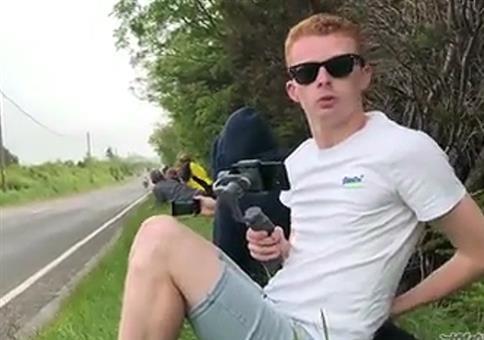 Etwas schreckhaft beim Motorradrennen