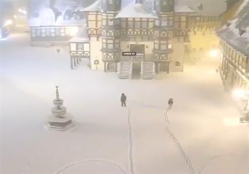 Neulich auf dem verschneiten Marktplatz