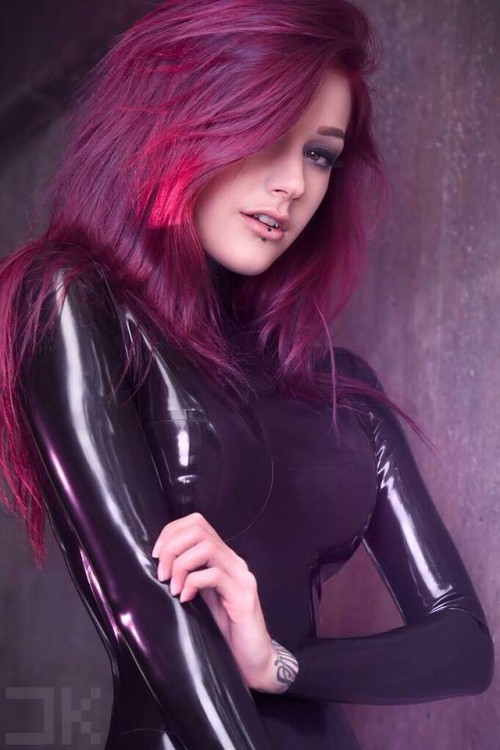 horni_babes280_red_10