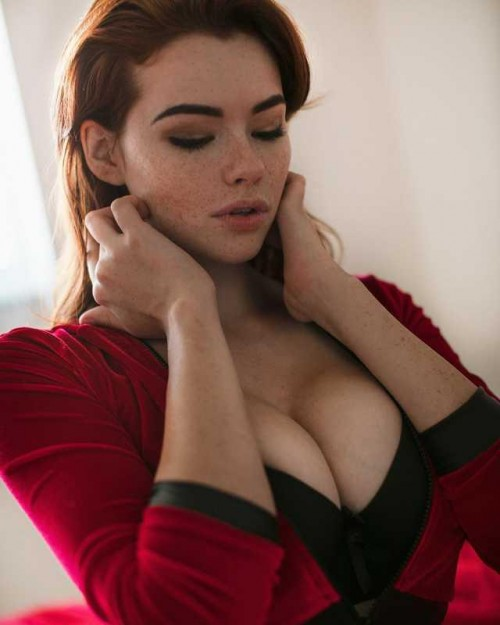 horni_babes350_red_03