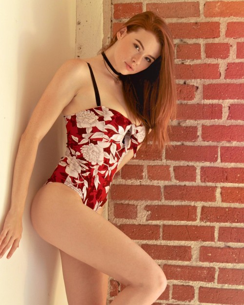 horni_babes360_red_06
