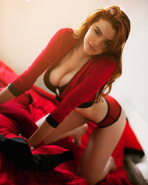 horni_babes370_red_38
