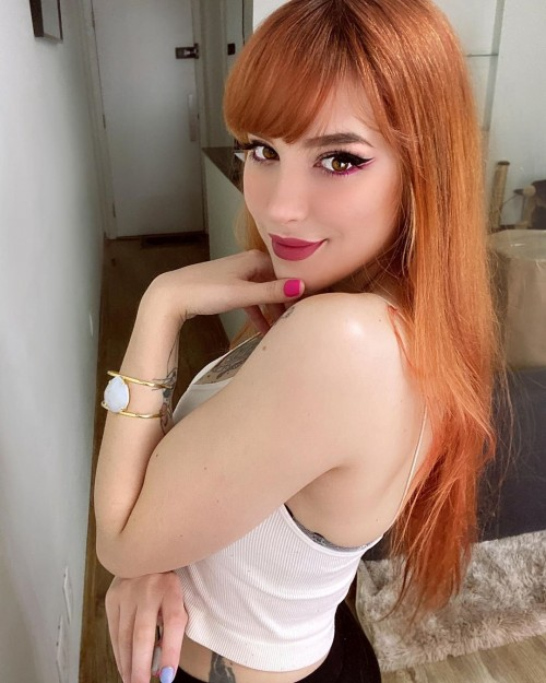 horni_babes380_red_03