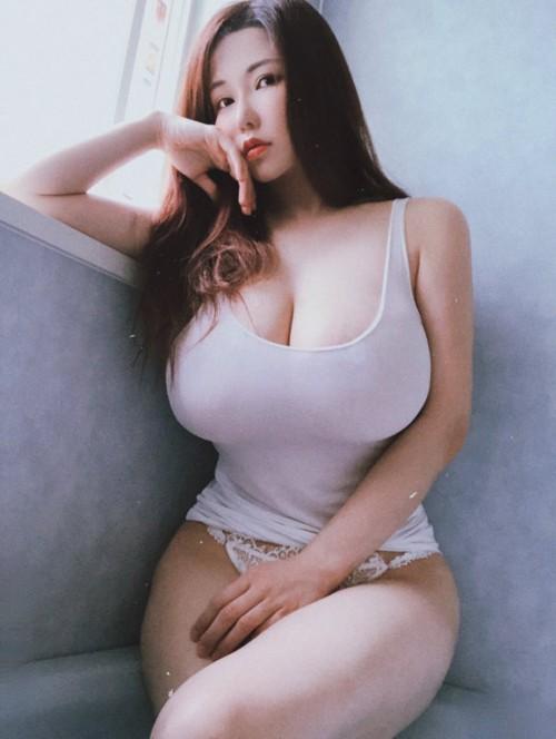 horni_babes387_16