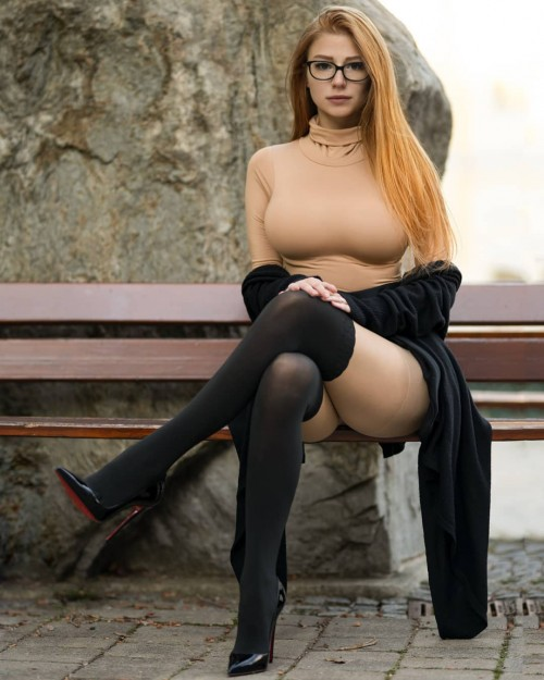 horni_babes410_red_22