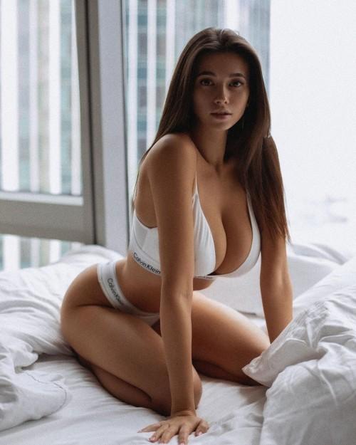 horni_babes426_21